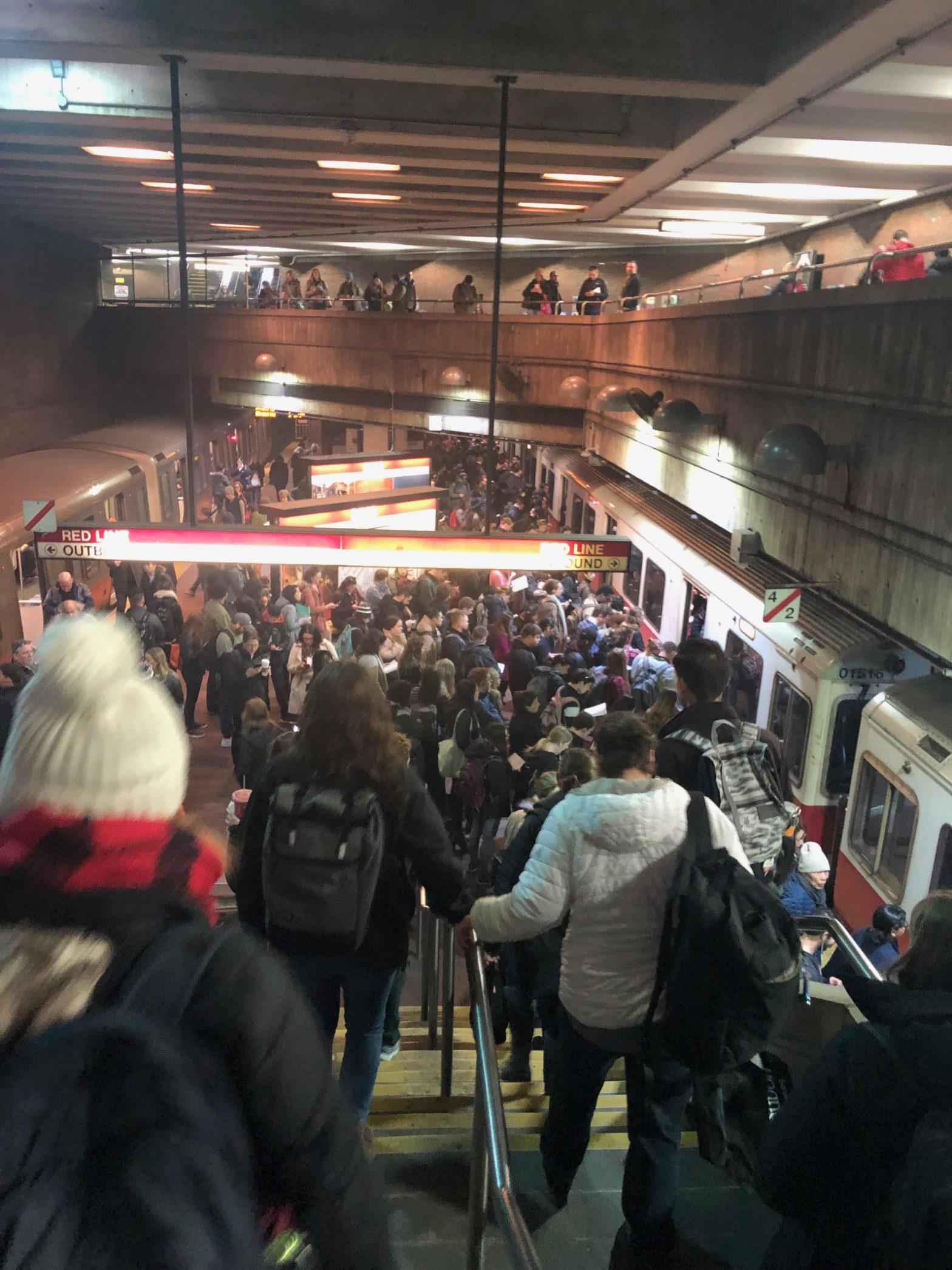 Crowded Red Line platform